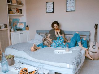 Top Things That Shouldn't Be in Your Bedroom Food