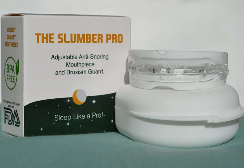 Slumber Pro anti-snoring mouthpiece with box