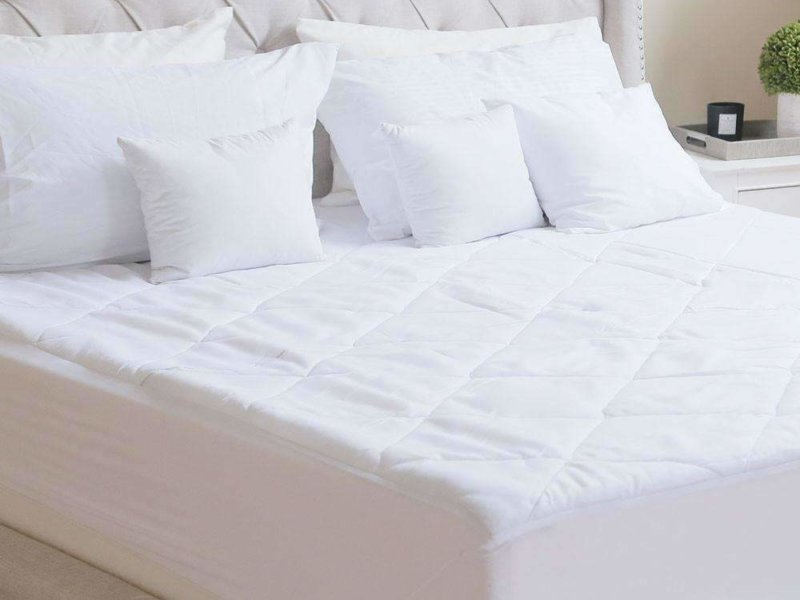 Luxor Linens Francisco Mattress Pad on mattress