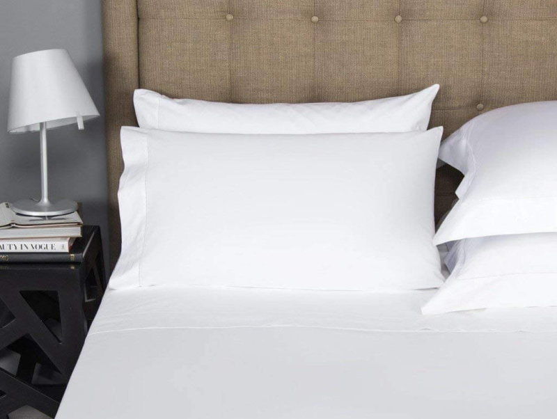 Mayfair Linen Egyptian cotton sheet set on bed front view